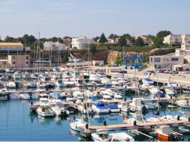 Place de port en location