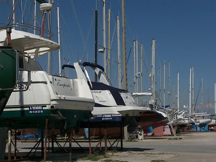 Places de port a sec en bouches du rh ne inautia - Navy service port saint louis du rhone ...