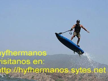 ESPECTACULAR TABLA DE SURF 4 TIEMPOS 10 cv DE POTENCIA Kayaks/ pirogues