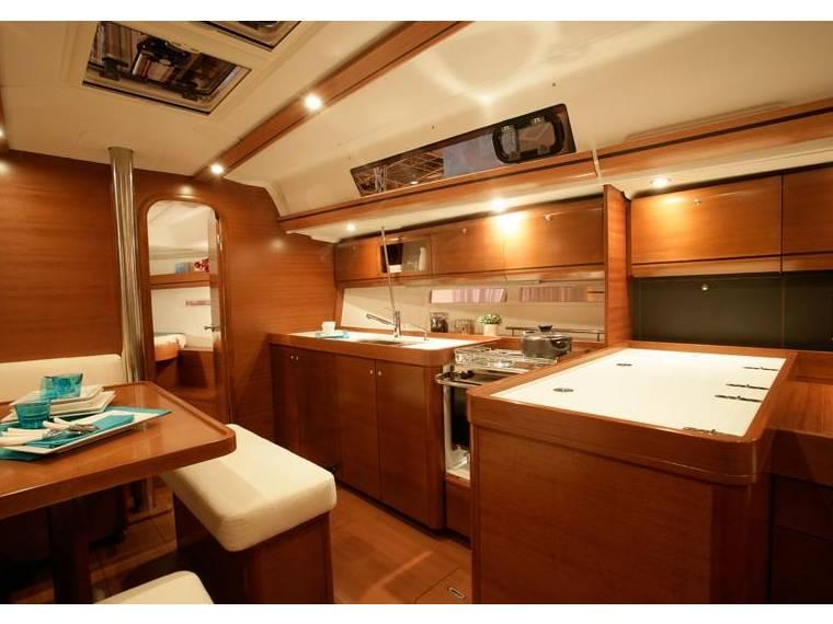 Location dufour 405 grand large voilier de croisi re for Interieur 405