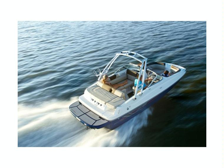 Bayliner 195 Deck Boat Bateau open