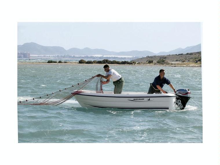 Quicksilver Captur 410 Fish Bateau de pêche/promenade