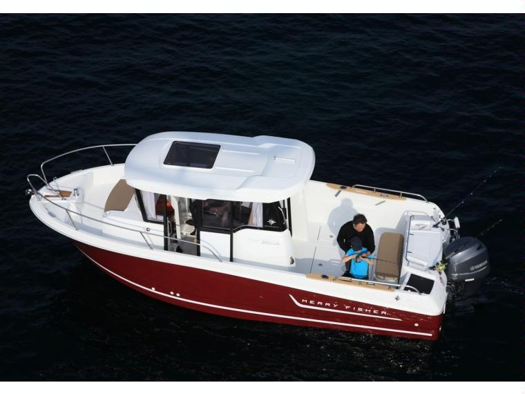 bateau de peche jeanneau