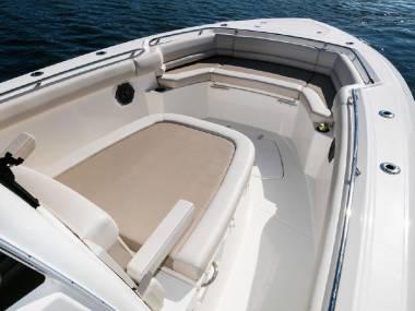 Boston Whaler 330