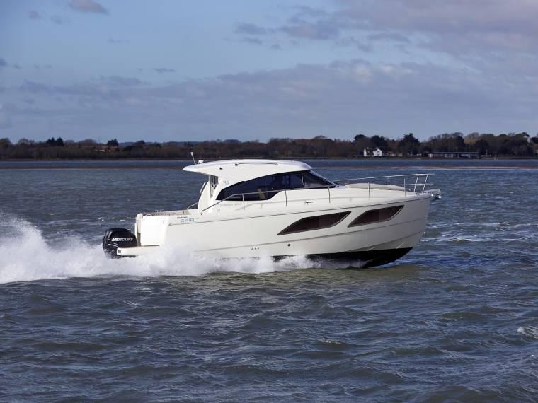 Rodman Spirit 31 Hardtop Outboard Version Bateau avec cabine