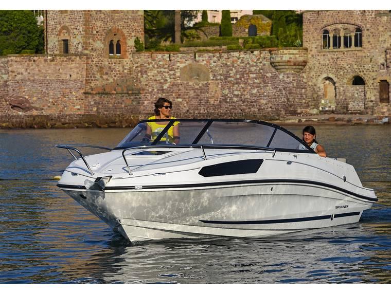 Bayliner VR5 Cuddy OB Bateau avec cabine