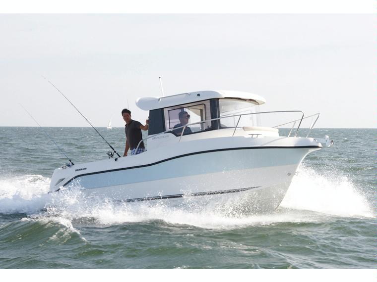 Quicksilver Captur 690 Arvor Bateau de pêche/promenade