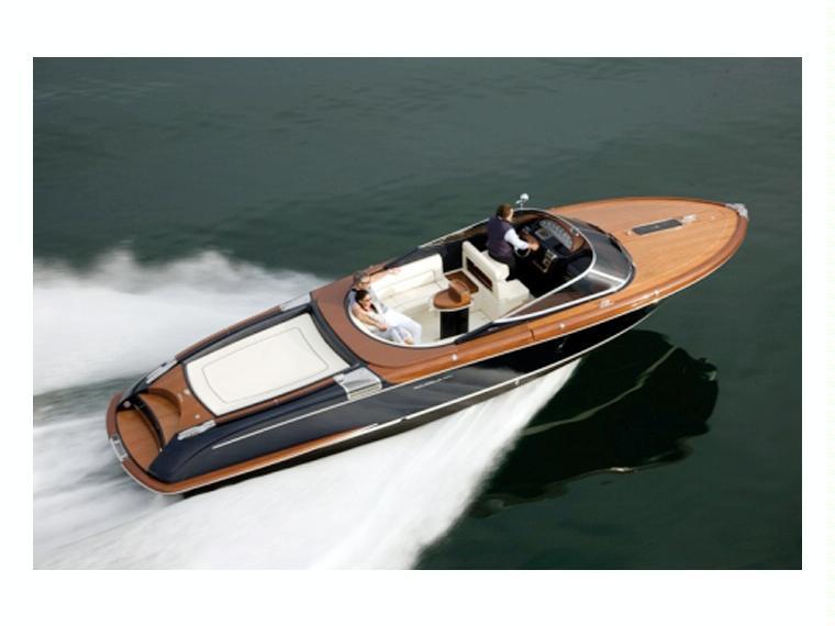 riva aquariva super 33 en noord holland bateaux moteur d 39 occasion 53566 inautia. Black Bedroom Furniture Sets. Home Design Ideas