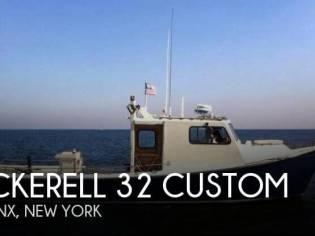 Pickerel 32 Custom