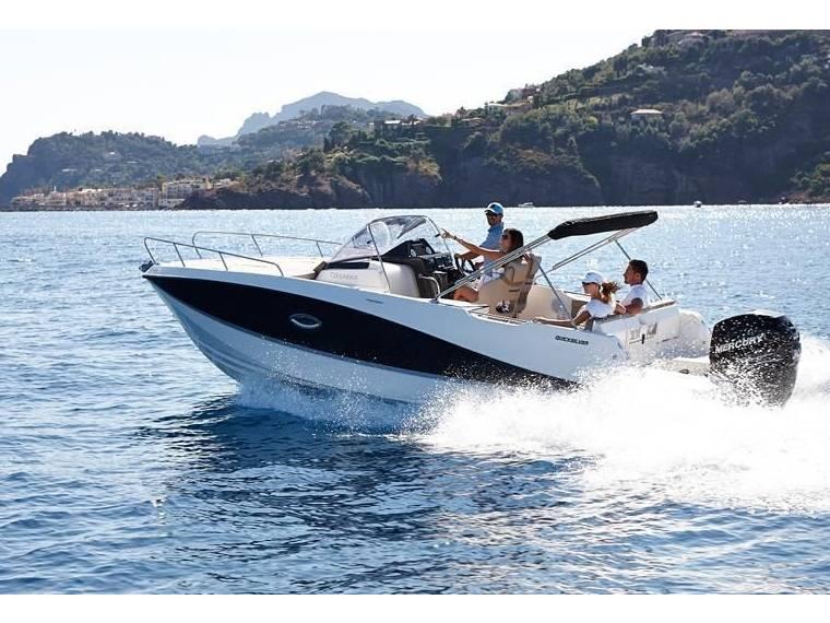quicksilver 755 sundeck komplett en allemagne bateaux moteur d 39 occasion 57555 inautia. Black Bedroom Furniture Sets. Home Design Ideas