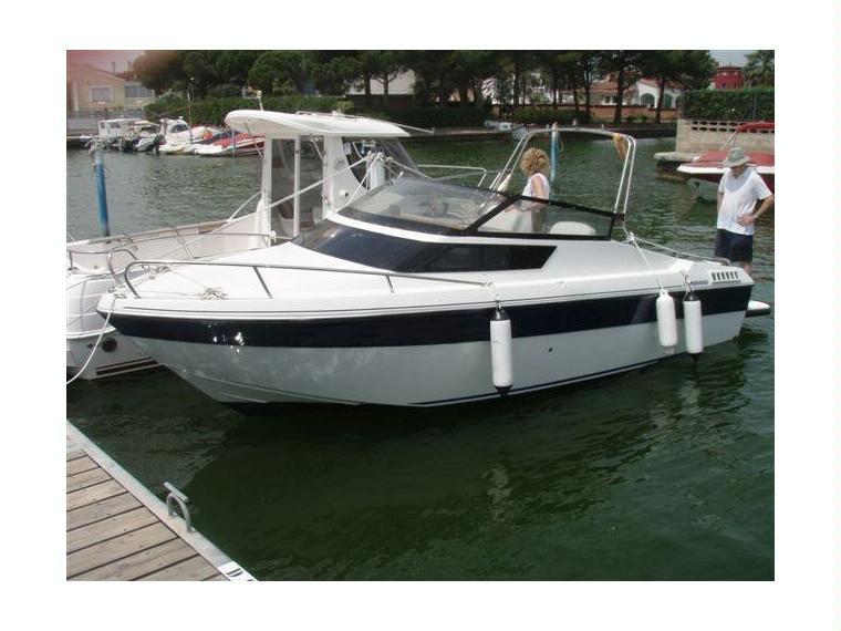 jeanneau leader 600 i b en marina d emp riabrava bateaux moteur d 39 occasion 70556 inautia. Black Bedroom Furniture Sets. Home Design Ideas