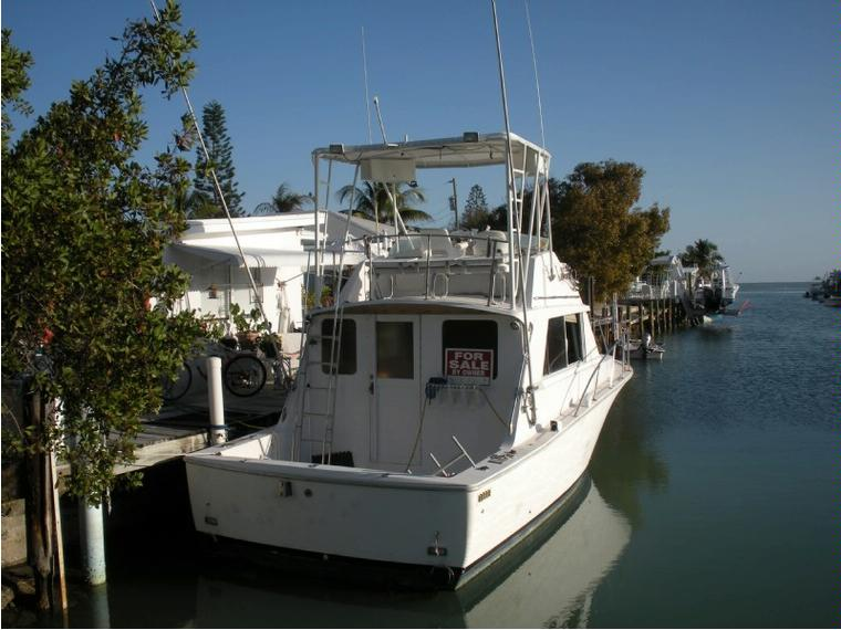 bertram 33 flybridge cruiser en florida