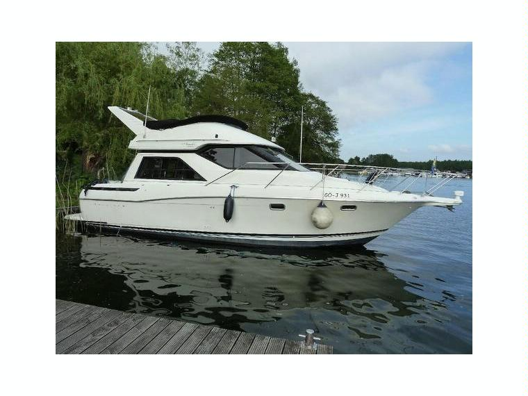 bayliner 3258 avanti en allemagne bateaux moteur d 39 occasion 97549 inautia. Black Bedroom Furniture Sets. Home Design Ideas