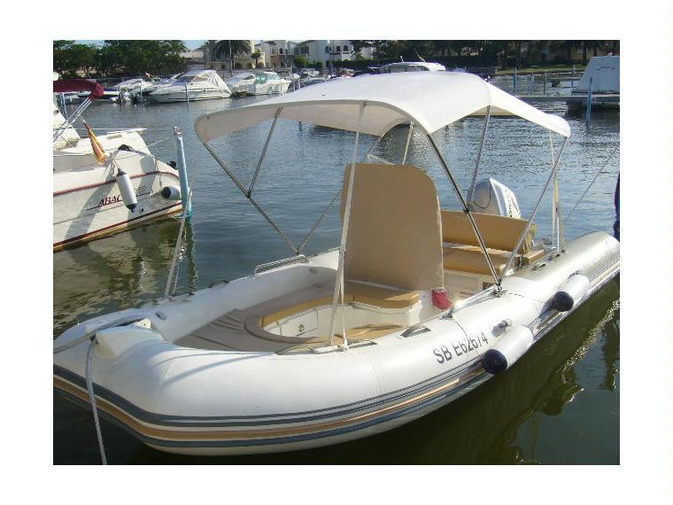 zodiac medline 550 neo en marina d emp riabrava bateaux moteur d 39 occasion 44950 inautia. Black Bedroom Furniture Sets. Home Design Ideas