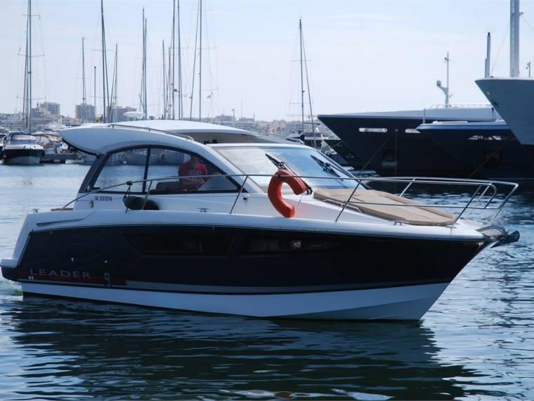 jeanneau leader 9 en port camille rayon bateaux avec cabine d 39 occasion 49495 inautia. Black Bedroom Furniture Sets. Home Design Ideas