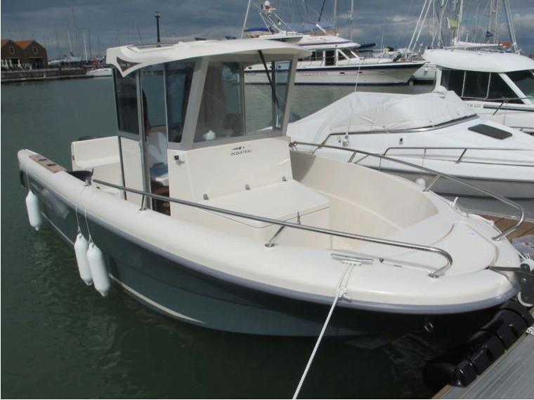 ocqueteau ostrea 600 en loire atlantique bateaux moteur d 39 occasion 81025 inautia. Black Bedroom Furniture Sets. Home Design Ideas