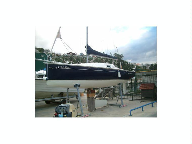 jeanneau sun 2000 confort en puerto deportivo de moa a voiliers de croisi re d 39 occasion 49684. Black Bedroom Furniture Sets. Home Design Ideas