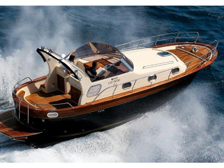 mim libeccio 31 en sardaigne bateaux moteur d. Black Bedroom Furniture Sets. Home Design Ideas