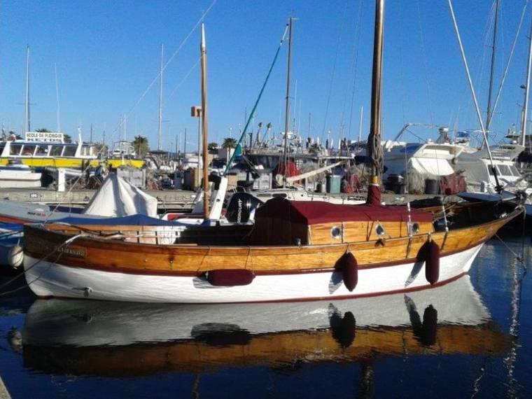 pointu en port de sainte maxime bateaux avec cabine d 39 occasion 53575 inautia. Black Bedroom Furniture Sets. Home Design Ideas