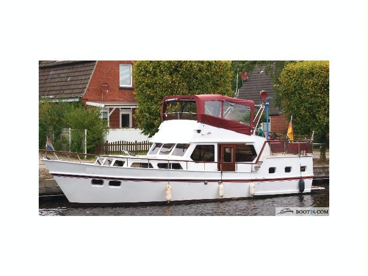 altena flycruiser en allemagne bateaux moteur d 39 occasion 56539 inautia. Black Bedroom Furniture Sets. Home Design Ideas