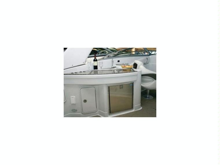 crownline 305 ss en var bateaux open d 39 occasion 51021 inautia. Black Bedroom Furniture Sets. Home Design Ideas