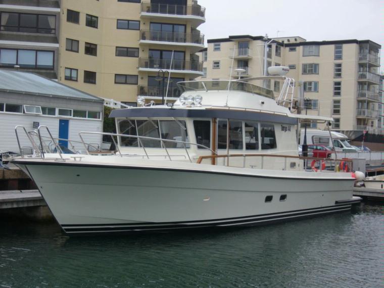 targa 44 en port roses bateaux moteur d 39 occasion 51576 inautia. Black Bedroom Furniture Sets. Home Design Ideas