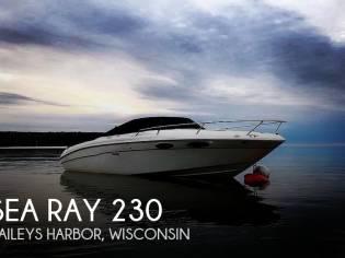 Sea Ray 230 Weekender Cuddy