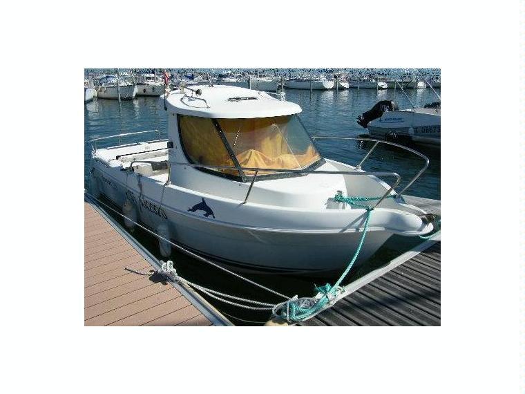 arvor 20 fish en port camargue bateaux moteur d 39 occasion 54485 inautia. Black Bedroom Furniture Sets. Home Design Ideas