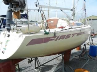 Beneteau First 28