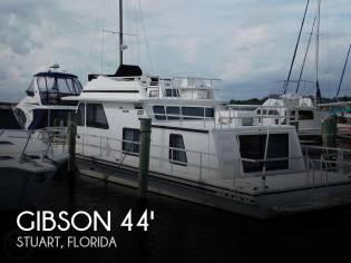 Gibson 44 Cabin Yacht
