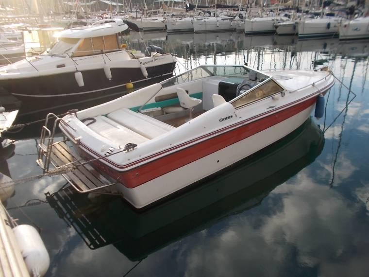 bateau a moteur gobbi