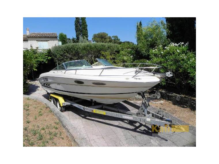 Sea Ray 230 Overnighter Signature en France | Vedettes