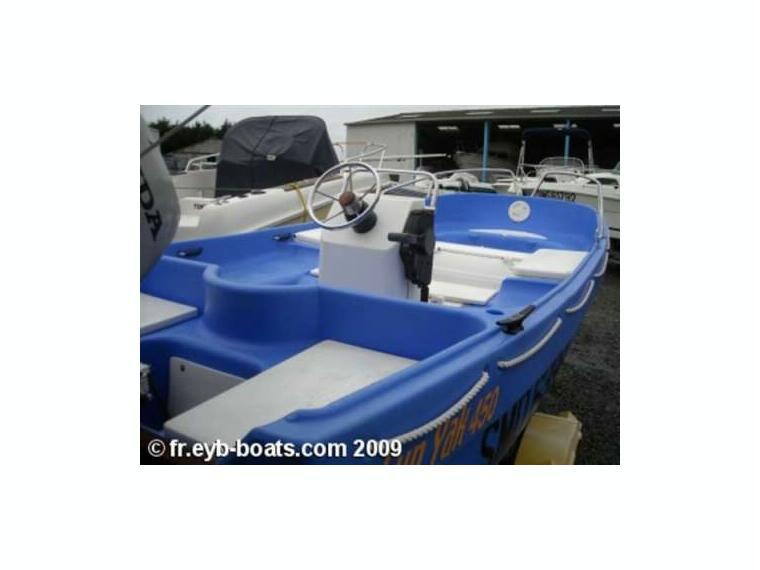 fun yak 450 id32882 en finist re bateaux moteur d 39 occasion 25352 inautia. Black Bedroom Furniture Sets. Home Design Ideas