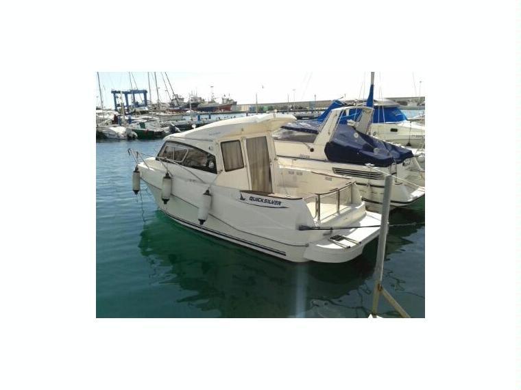 quicksilver weekend 640 sd en pto dptivo caleta de velez bateaux avec cabine d 39 occasion 55556. Black Bedroom Furniture Sets. Home Design Ideas