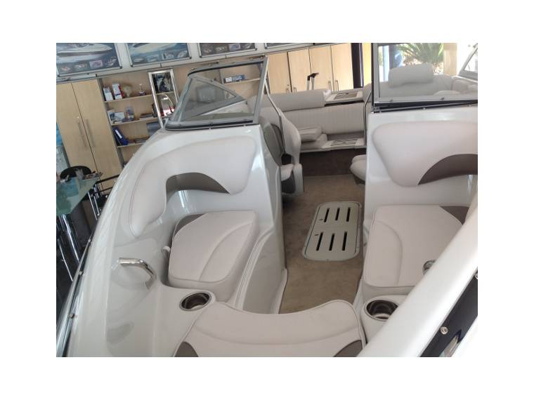 crownline 18 ss neuf en vente 70655 bateaux neufs en vente inautia. Black Bedroom Furniture Sets. Home Design Ideas