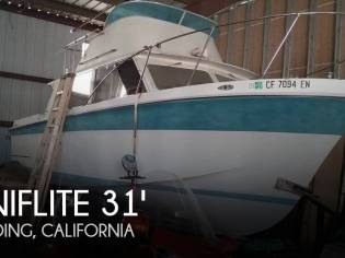 Uniflite 31 Fly Bridge