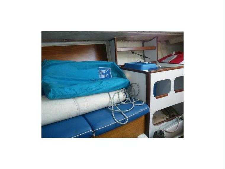 figaro 1 beneteau en marina d emp riabrava voiliers d 39 occasion 56666 inautia. Black Bedroom Furniture Sets. Home Design Ideas