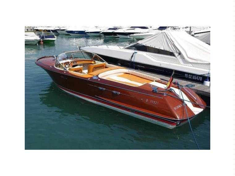 riva aquarama special en italie bateaux moteur d 39 occasion 48489 inautia. Black Bedroom Furniture Sets. Home Design Ideas