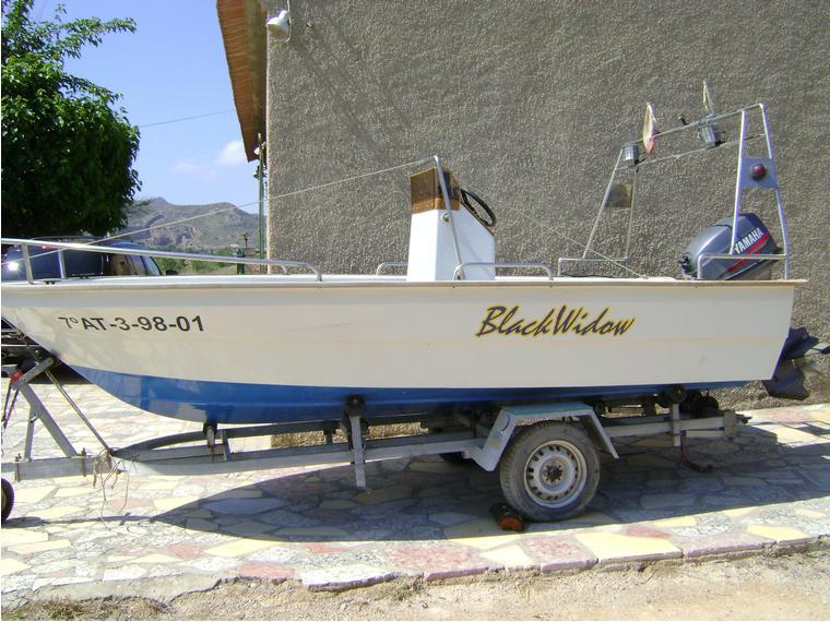 yamaha 40 cv en alicante bateaux moteur d 39 occasion 55536 inautia. Black Bedroom Furniture Sets. Home Design Ideas