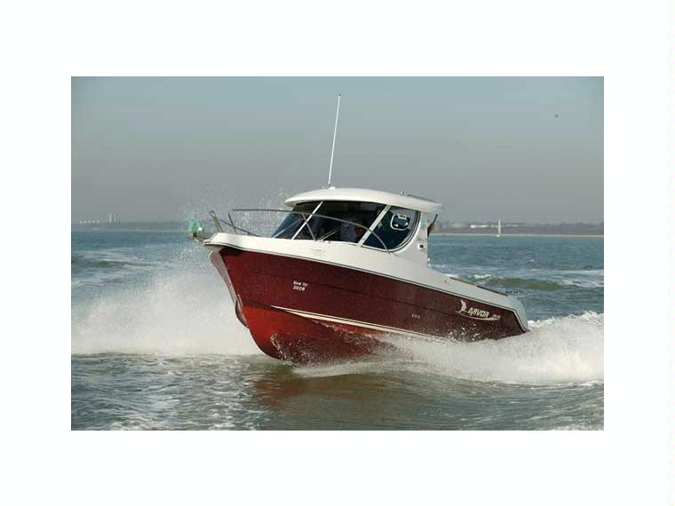 arvor 230 as en barcelone bateaux avec cabine d 39 occasion 67704 inautia. Black Bedroom Furniture Sets. Home Design Ideas