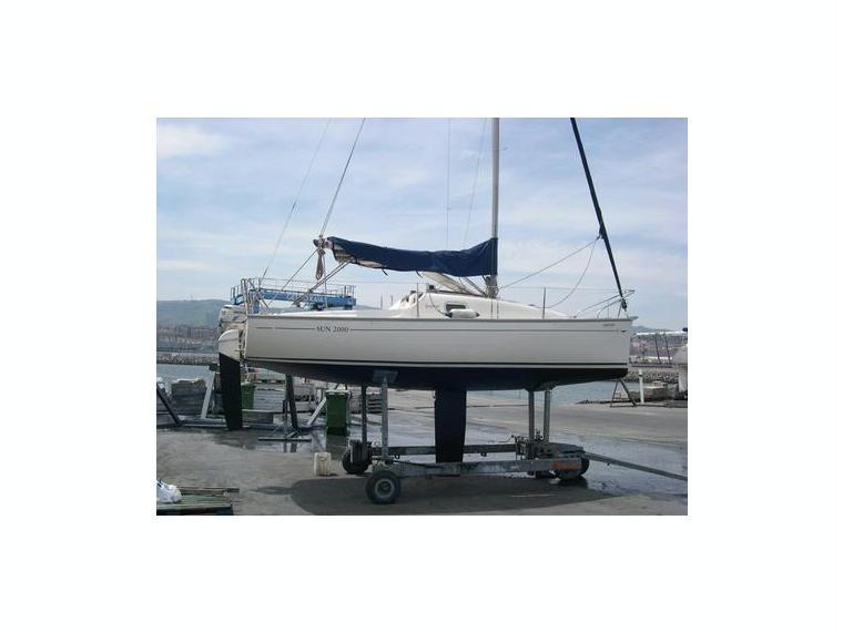 jeanneau sun 2000 en puerto deportivo de el abra getxo voiliers de croisi re d 39 occasion 52685. Black Bedroom Furniture Sets. Home Design Ideas