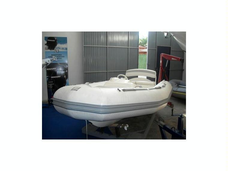 zodiac projet 350 en marina d u00b4emp u00fariabrava