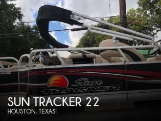 Sun Tracker 22 Fishin Barge DLX