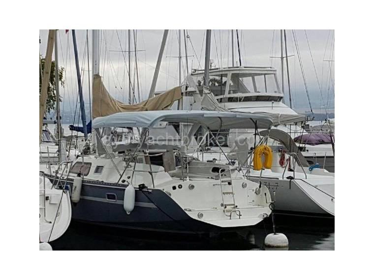 Dujardin atlantis 340 en suisse voiliers de croisi re d for Entreprise dujardin