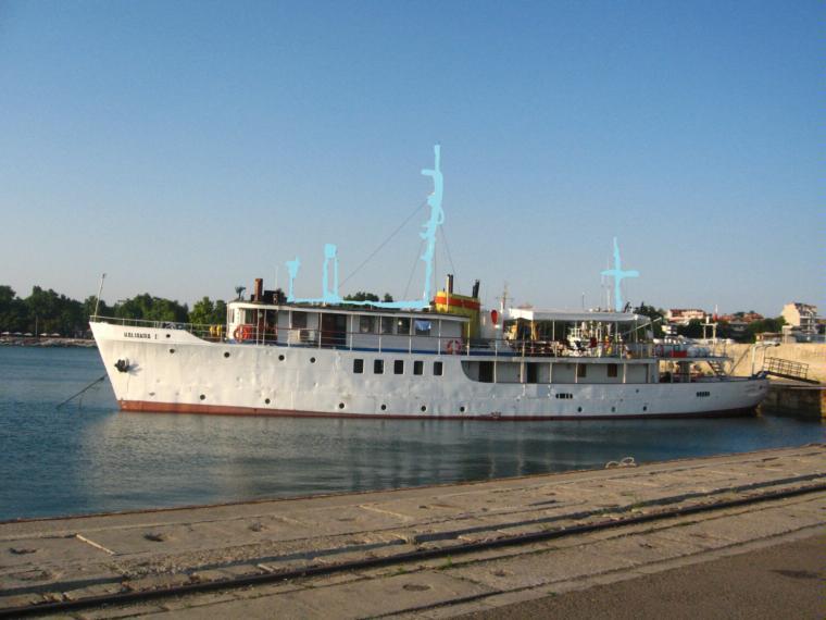 petit navire passagers en varna bateaux moteur d 39 occasion 53484 inautia. Black Bedroom Furniture Sets. Home Design Ideas