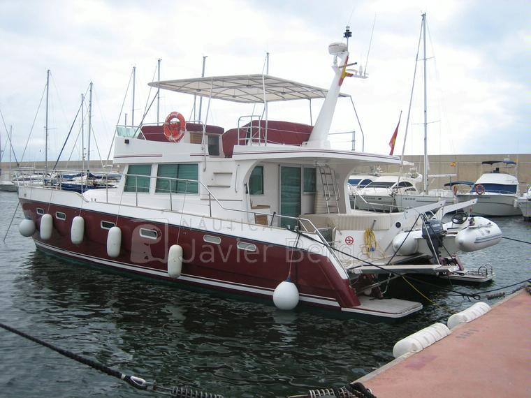 alliaura transcat 48 en port torredembarra catamarans moteur d 39 occasion 70695 inautia. Black Bedroom Furniture Sets. Home Design Ideas