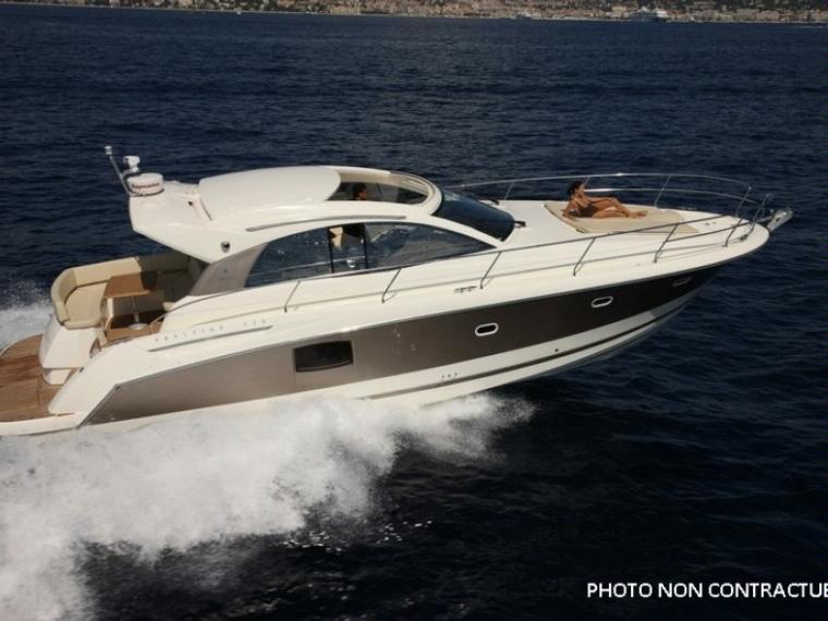 bateau a moteur jeanneau occasion