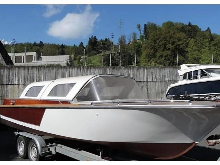 ewa hummel youngtimer scheunenfund en suisse bateaux moteur d 39 occasion 57545 inautia. Black Bedroom Furniture Sets. Home Design Ideas