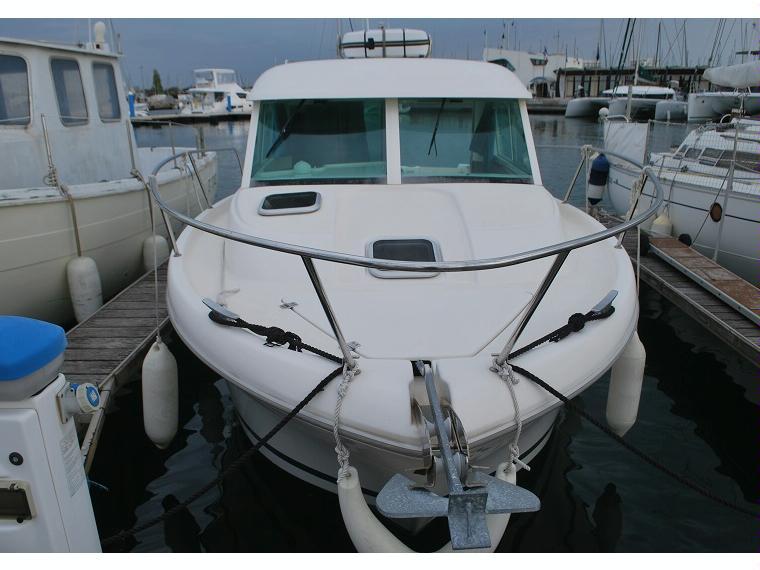 jeanneau merry fisher 695 en gard bateaux avec cabine d 39 occasion 00501 inautia. Black Bedroom Furniture Sets. Home Design Ideas
