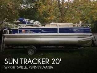 Sun Tracker Fishin Barge - 20 DLX